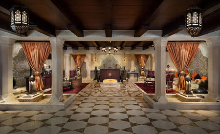 1_KI_Emirates-Palace_Spa-Rezeption