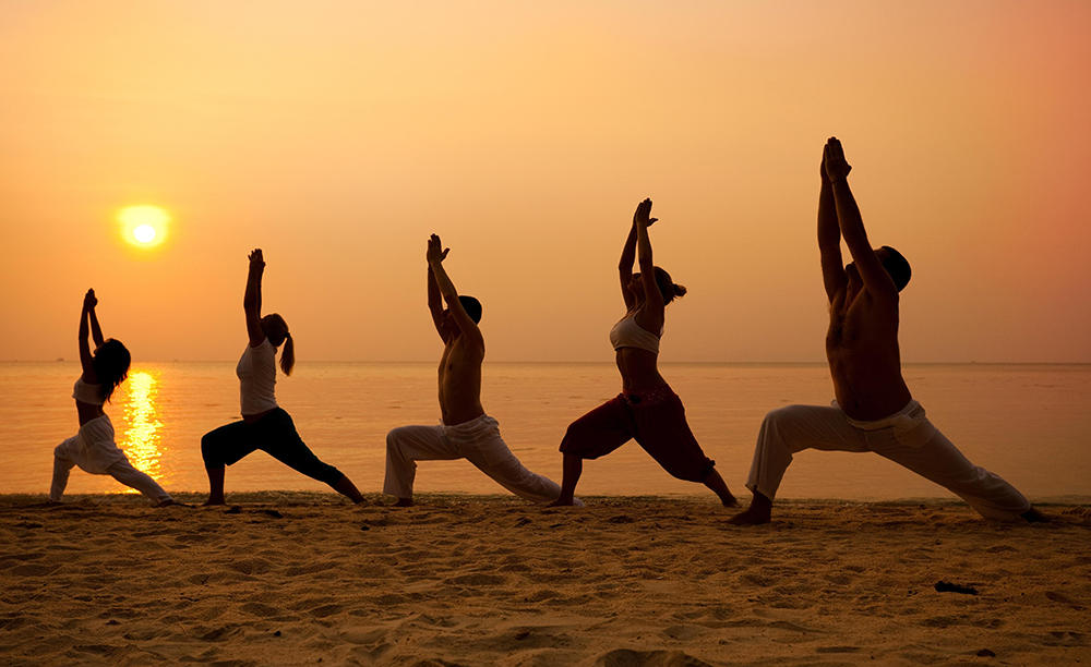 5_KI_Emirates-Palace_Yoga-at-the-Beach-2
