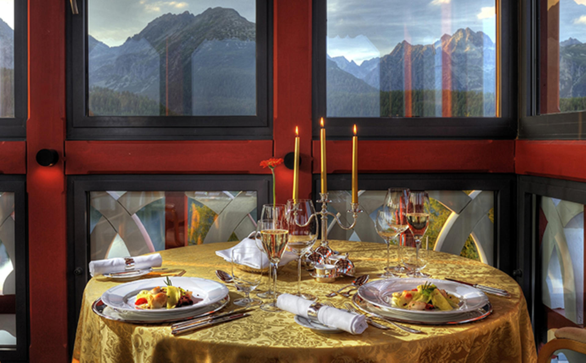 Grand-Hotel-Kempinski-High-Tatras_Exclusive-romantic-dinner-in-the-Tower