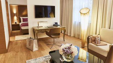 Delxue Junior Suite