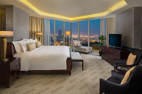Kempinski_Al_Othman_Hotel_Apartments_King_Bedroom