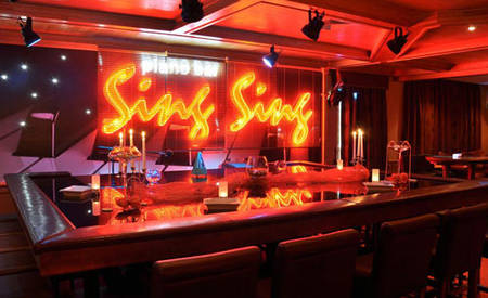 KI _ Hotel _ Grand _ Arena _ Piano _ Bar _ Sing _ Sing