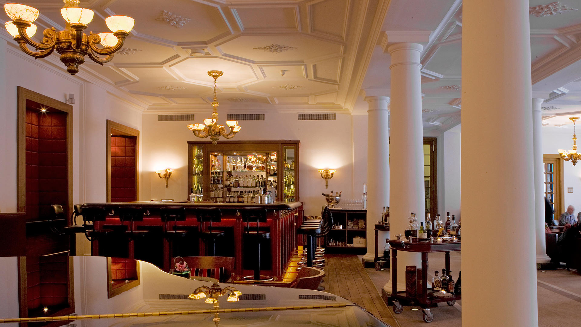 KempinskiGrandHoteldesBains _ Bar