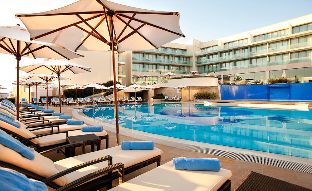 1_Kempinski — — — — Adriatic_Pool — — 酒吧