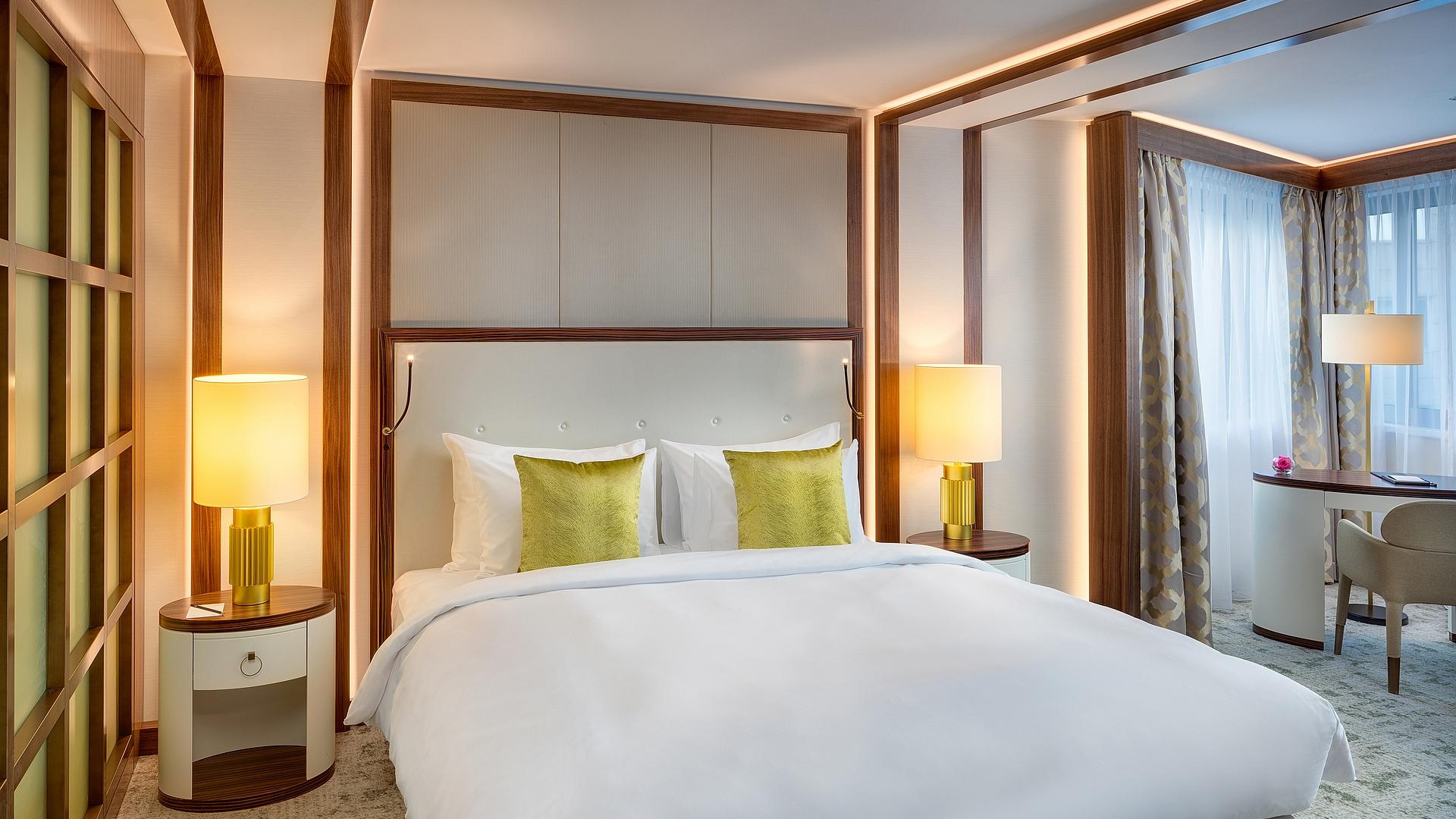 Premium Junior Suite - king-size bed | Hotel Corvinus Kempinski Budapest