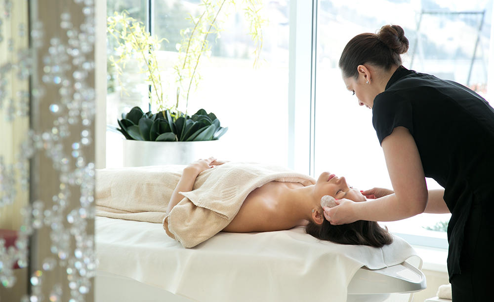 3_Kempinski-Hotel-Das-Tirol_Spa-Signature-Treatment