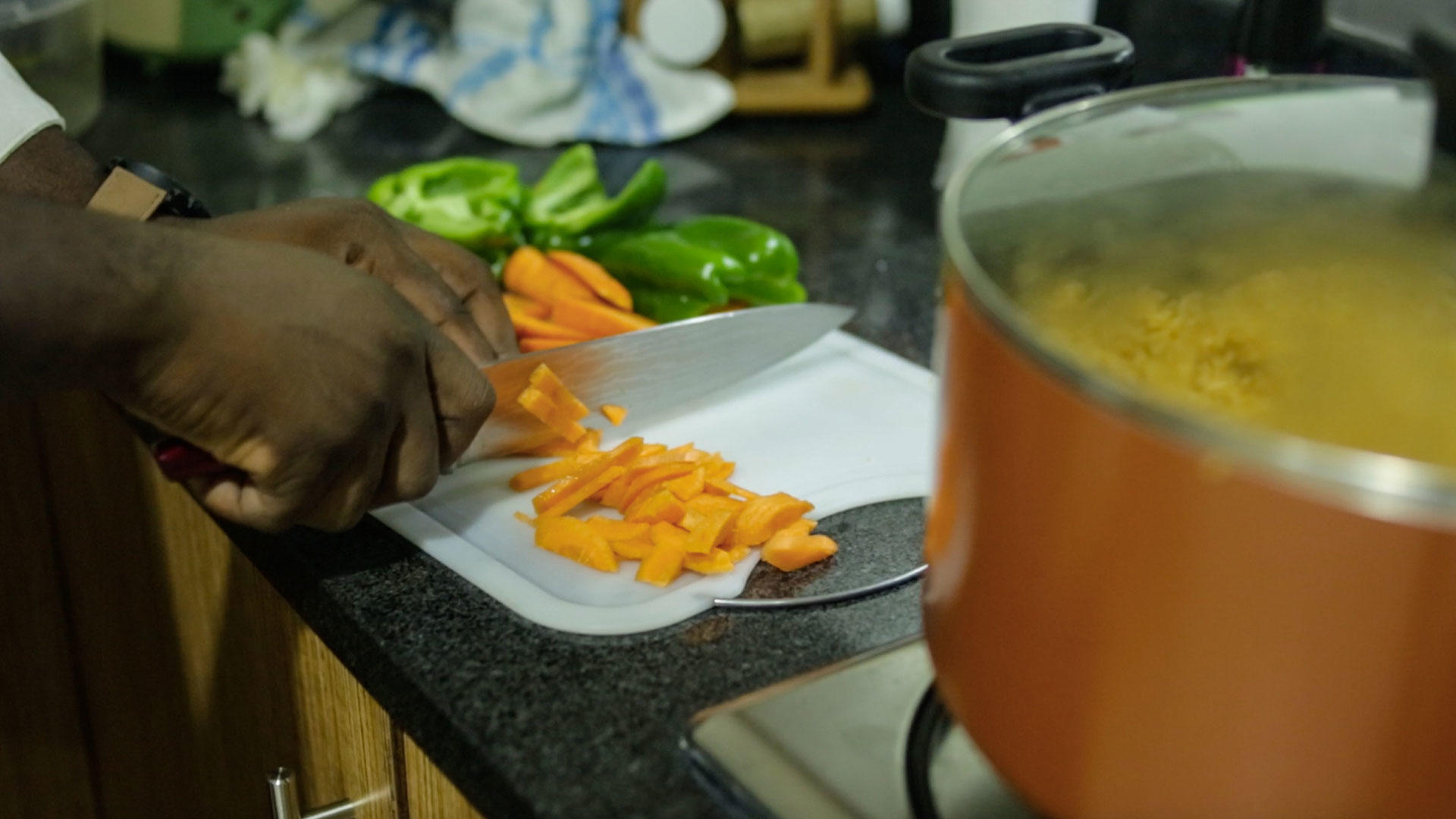 The Making & Eating of Ghanaian Jollof Rice