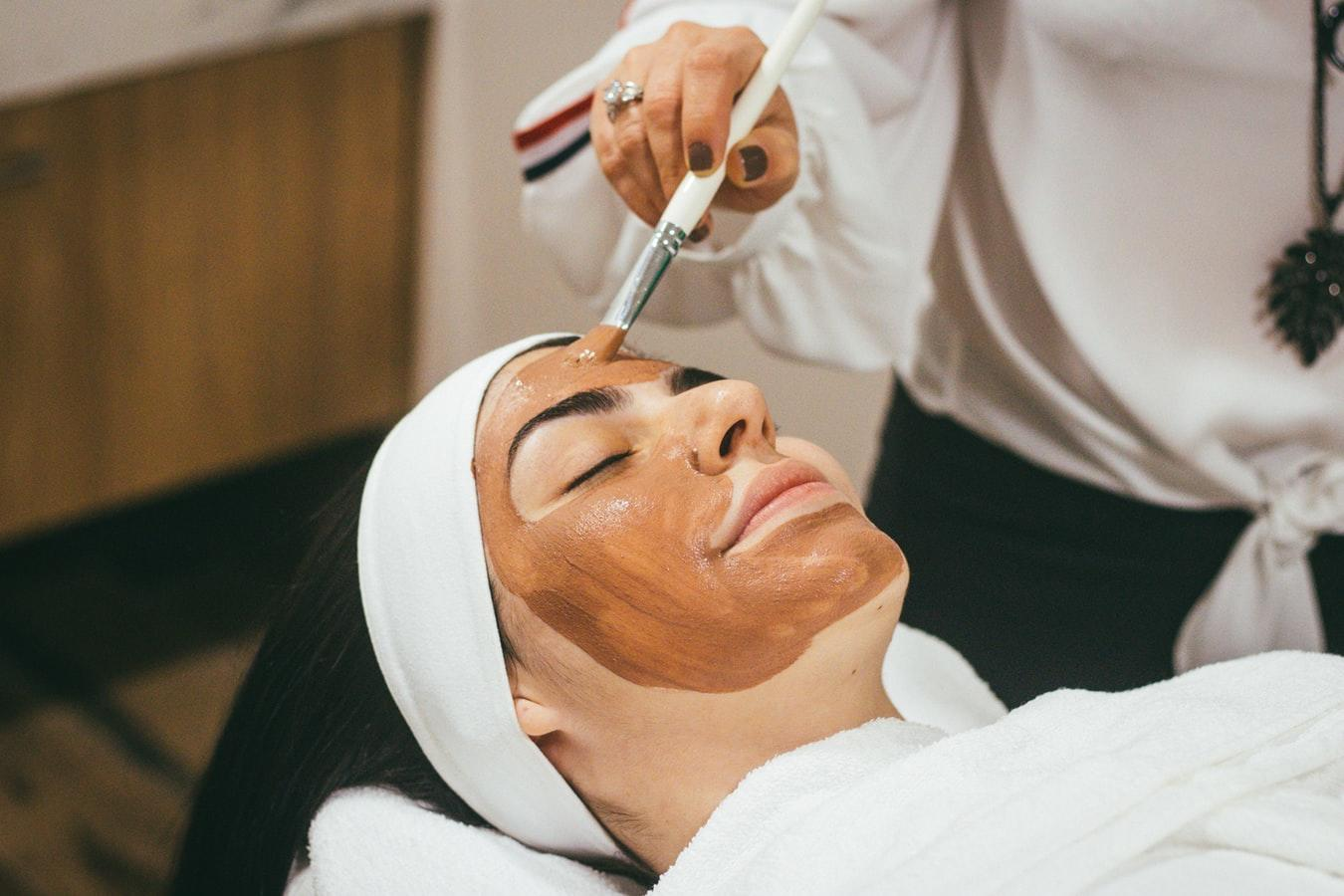 Serene hydrating facial therapy package