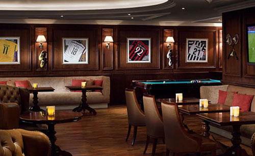KI_Hotel_ 及 _Residences_Palm_Jumeirah_K — — West_Sports_Bar