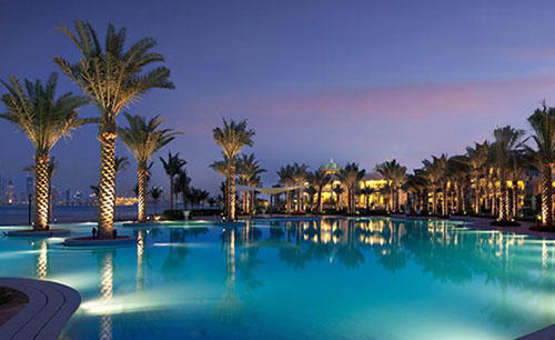 KI_Hotel_ 与 _Residences_Palm_Jumeirah_Pool