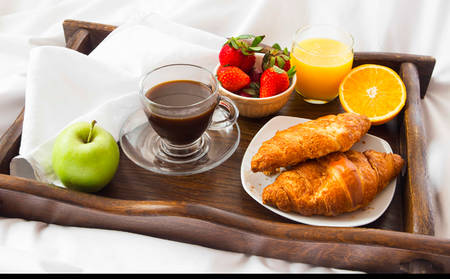 KIPOW1_Breakfastinbed