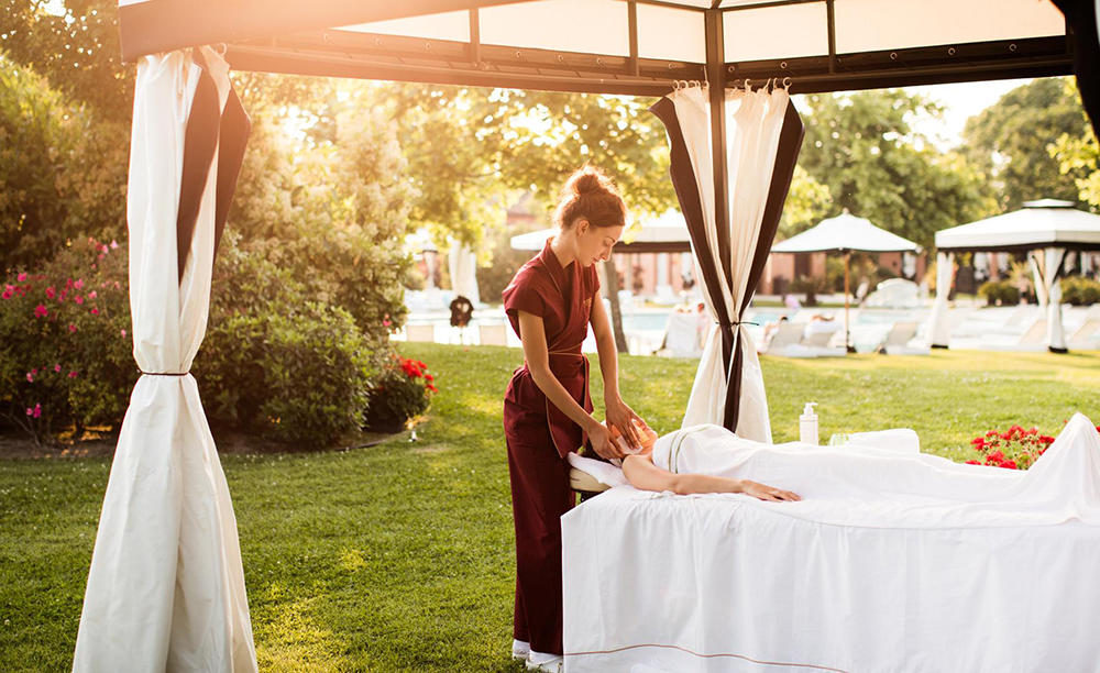 2_Kempinski_San-Clemente_Spa-Treatment