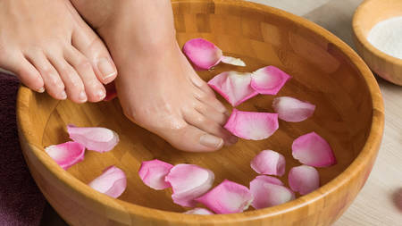 Spa manicure and pedicure for one with polish or colour