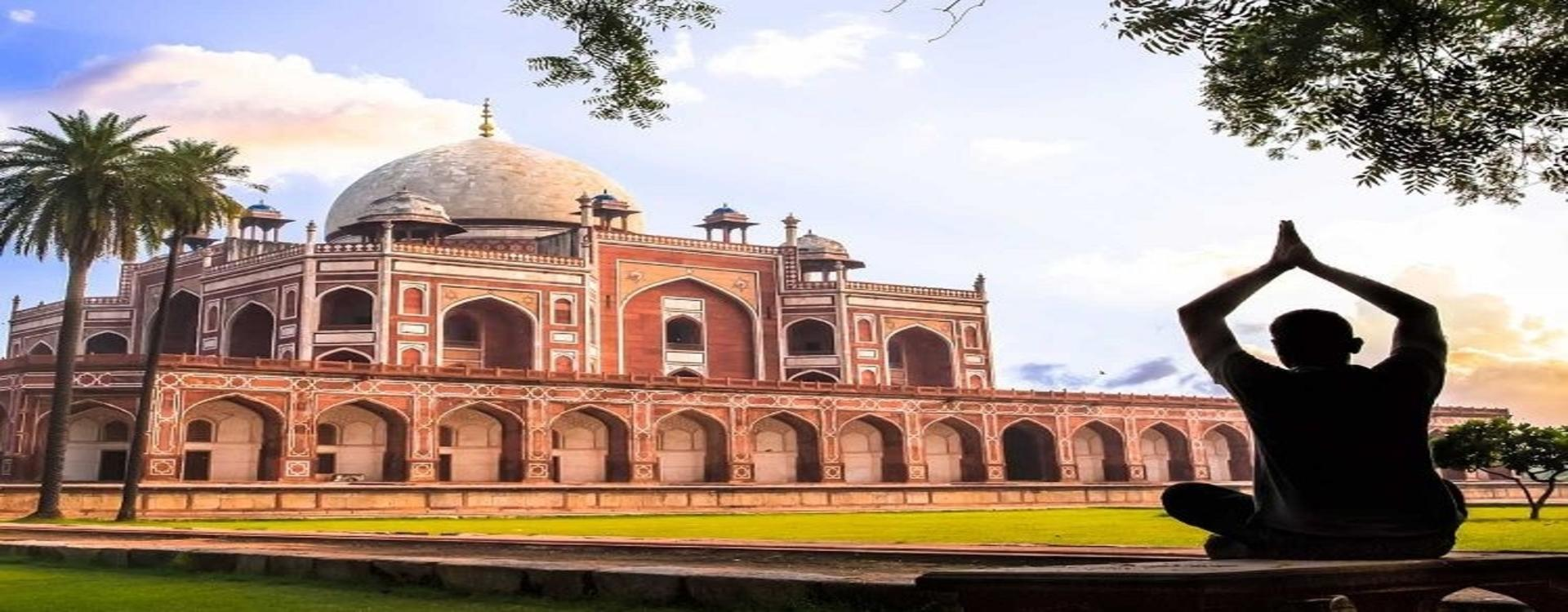A half day guided tour of Delhi in a Chauffeur driven SUV