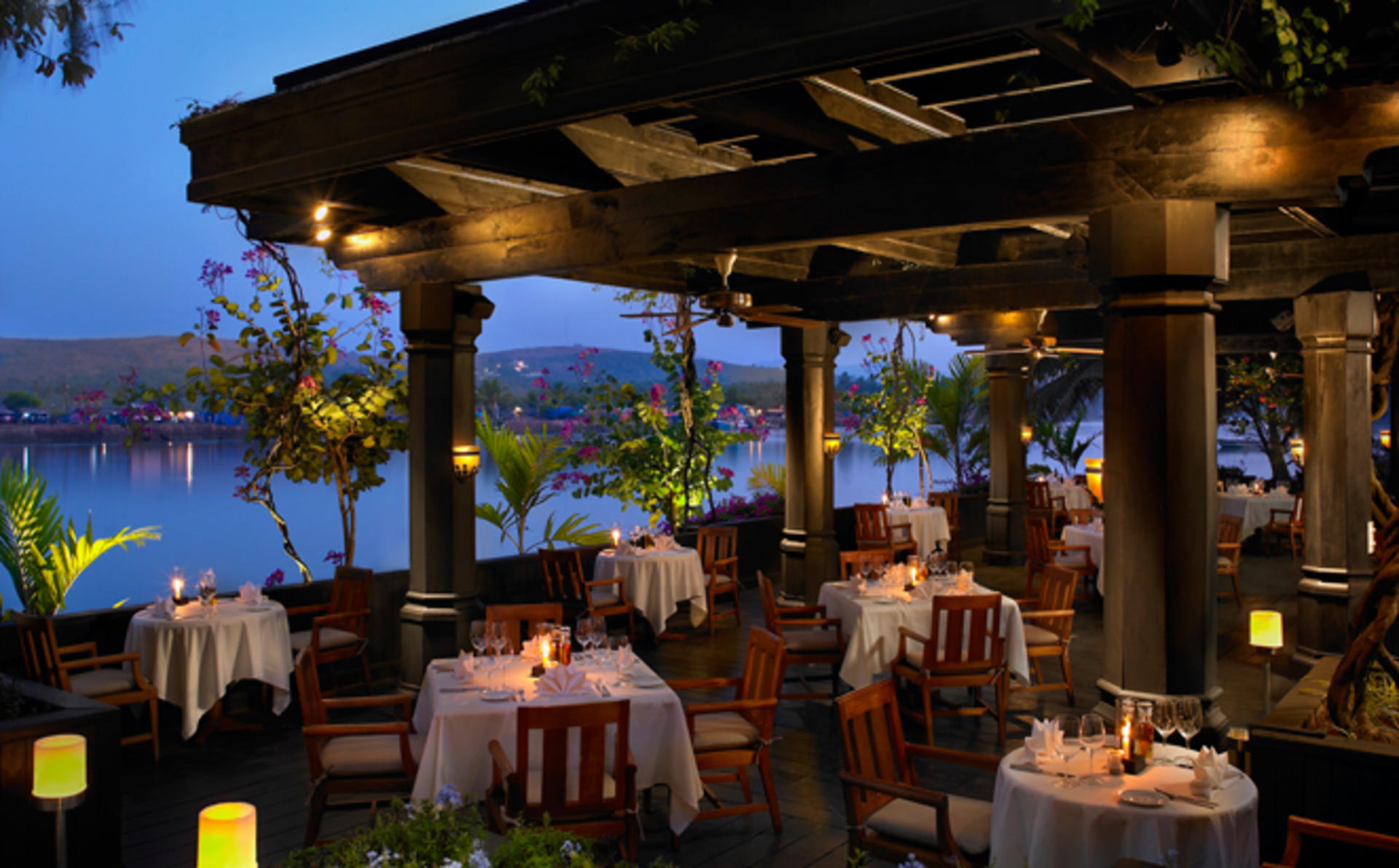 Leela_Goa_3-Course-Meal-Riverside-Restaurant-HD