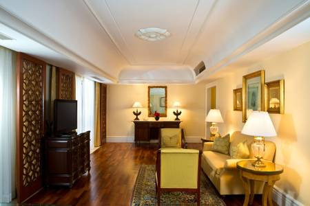 Royal Club Suite