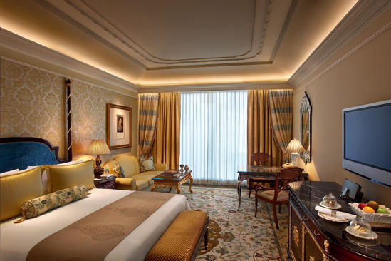 Leela_NewDelhi_royalclub_ROOM