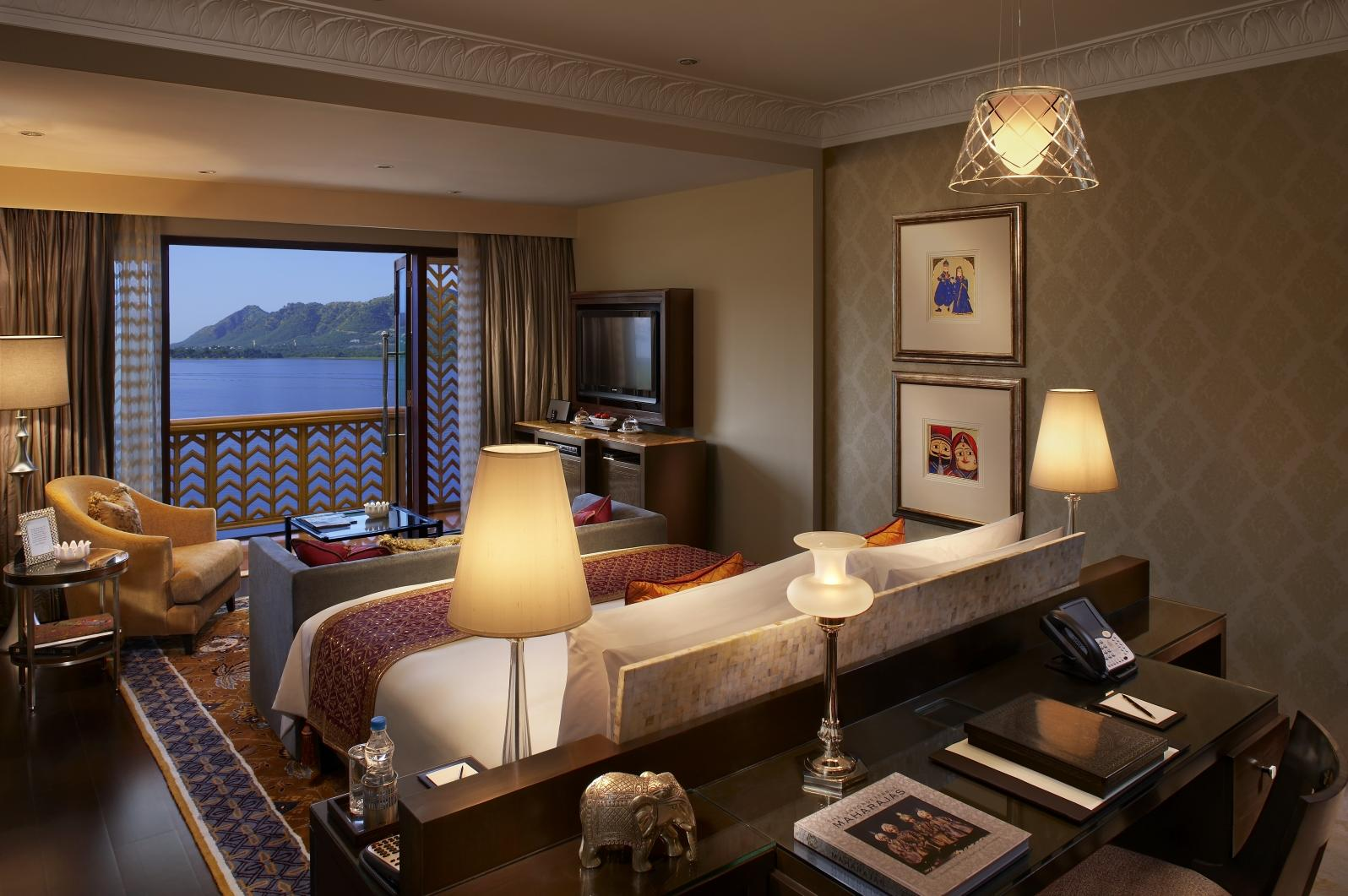 Grande Heritage Lake View Room with Balcony