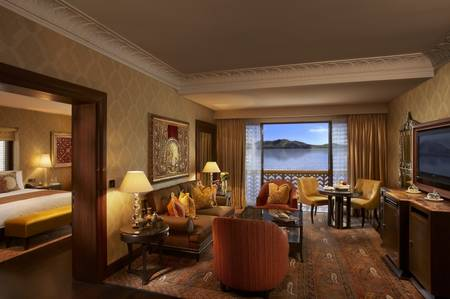 Luxury Suite - Sitting Room