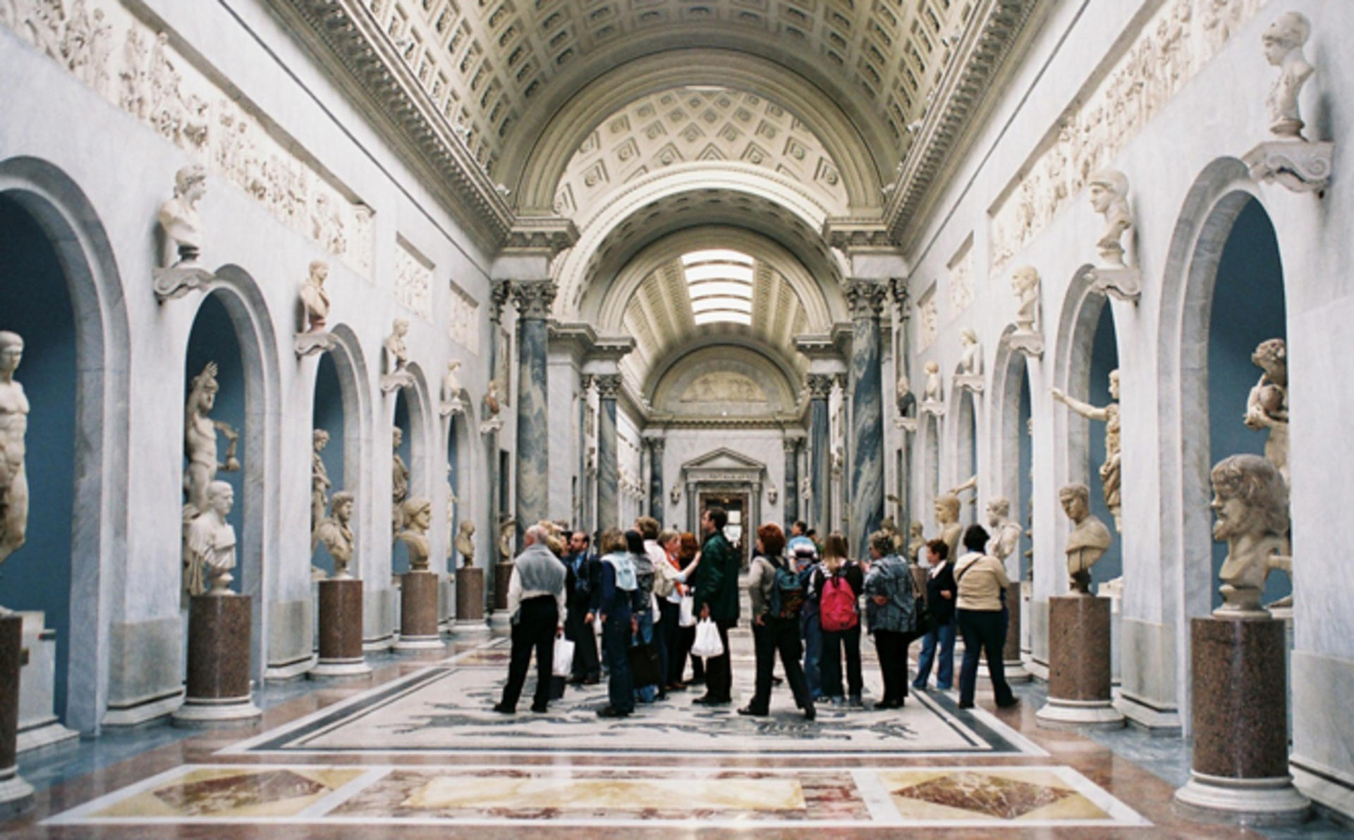 Lungarno_Exclusive-Voucher-for-the-Famous-Vatican-Museum