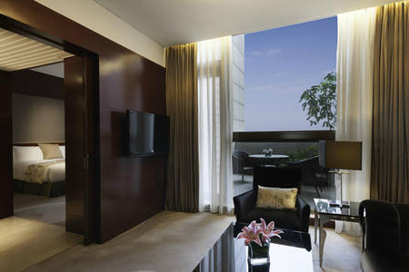 Marco_Polo_Jinjiang_Continental_Premier_Suite_King