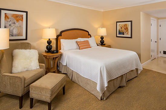 Meritage_Estancia_La_Jolla_Deluxe_King_Room