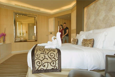 Meydan_The — — Meydan — — Hotel_Executive — — 特大床房