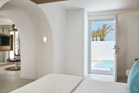 Nikki_Santorini_Signature Room with Garden View and Private Pool