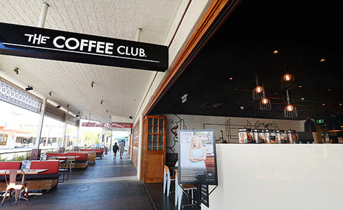 Oaks_Grand_Gladstone_Coffee Club