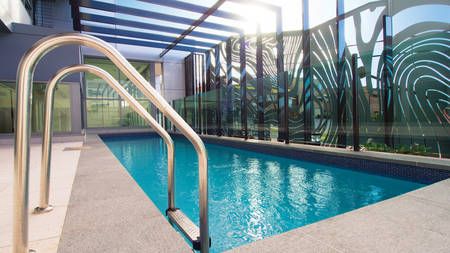 OaksGrandGladstone _ Pool