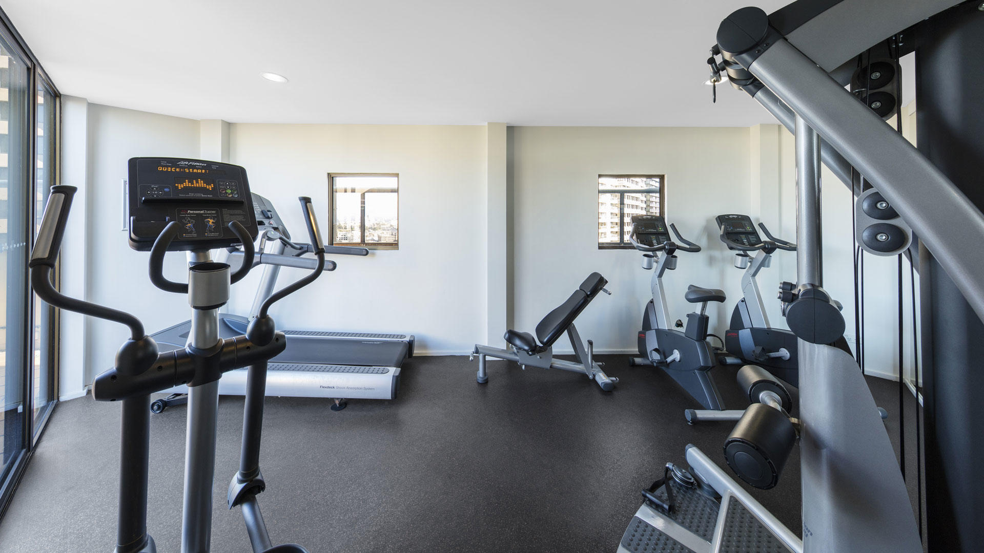 Oaks_HydeParkPlaza_Gym