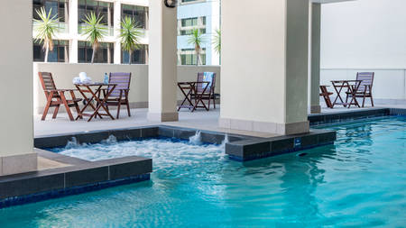 Oaks _ LexiconApartments _ Pool