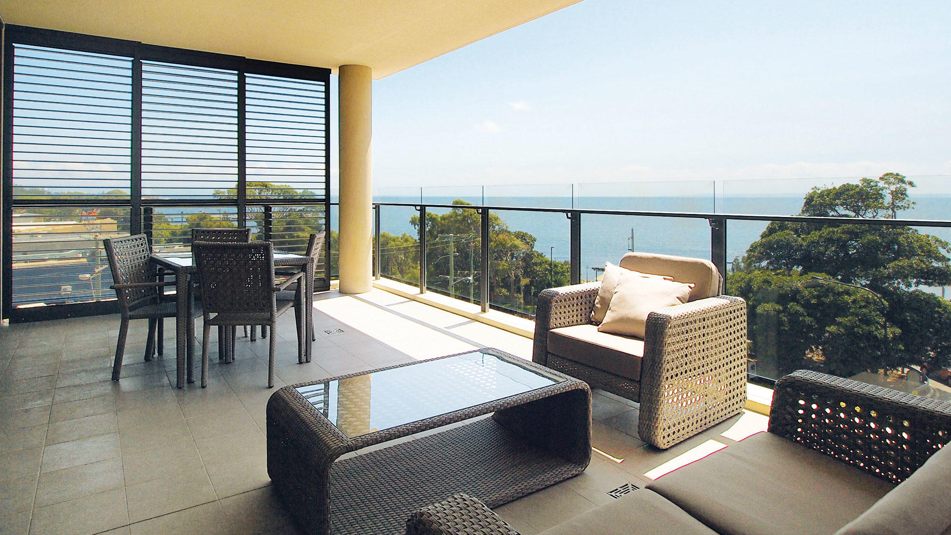 Oaks_MonKomo_2Bed Balkon