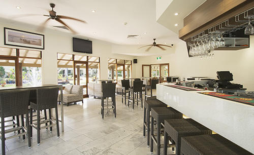 Oaks_Oasis_Resort-Restaurant-bar