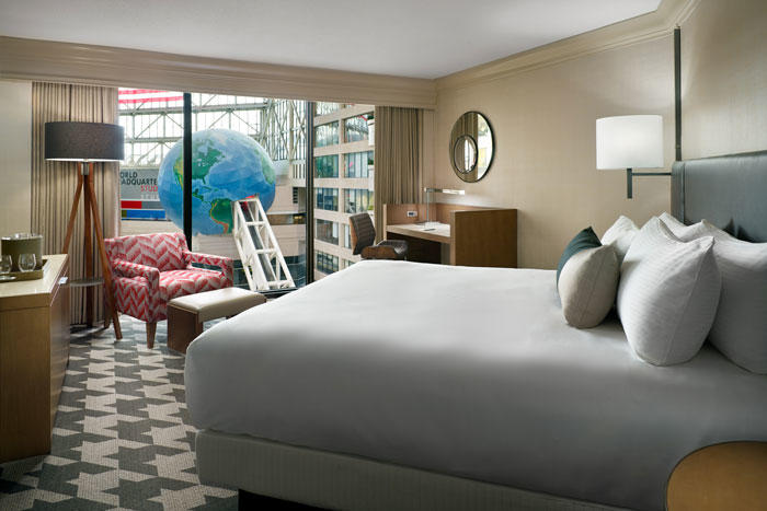 Omni_Atlanta_Classic_Deluxe_Room_King_Bed_North_Tower