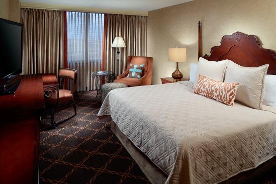 Omni_Austin_Southpark_Deluxe_Room_King_Bed