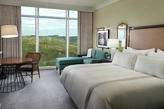 Omni_Barton_Creek_ Resort _&_ spa _Classic_Accessible_Deluxe_Zimmer