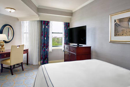Omni_Shoreham_Traditional_Room_1_Double_Bed