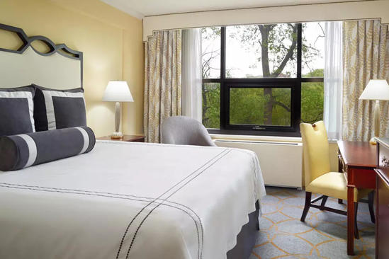 Omni_Shoreham_Traditional_Room_1_King_Bed