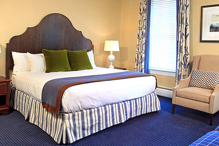Omni_Bretton_Accessible_Deluxe_Room_1_Queen_Bed