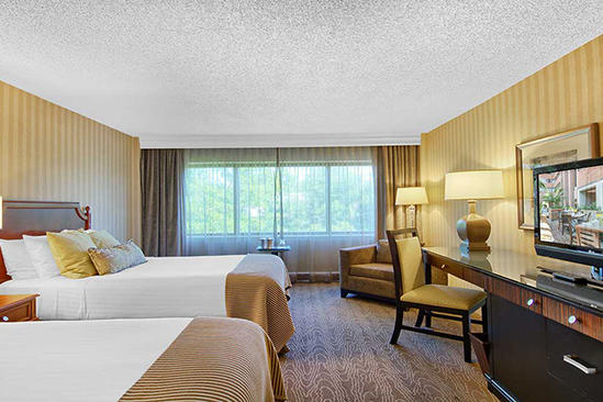 OM-Charlottesville_Accessible-Deluxe-Room-2-Double-Beds
