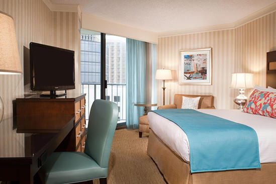 Omni_Corpus_Christi_Accessible_Deluxe_Bayfront_Tower_Room_King_Bed