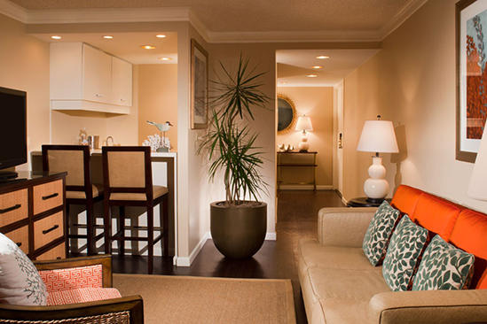 Omni_Corpus_Christi_Bayfront_Suite_King_Bed