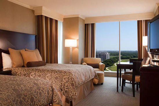 Omni_Dallas_Park_Classic_Accessible_Deluxe_Room_Shower_One_King_Bed