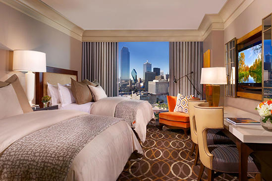 Omni_Dallas_Classic_Deluxe_Room_King_Bed