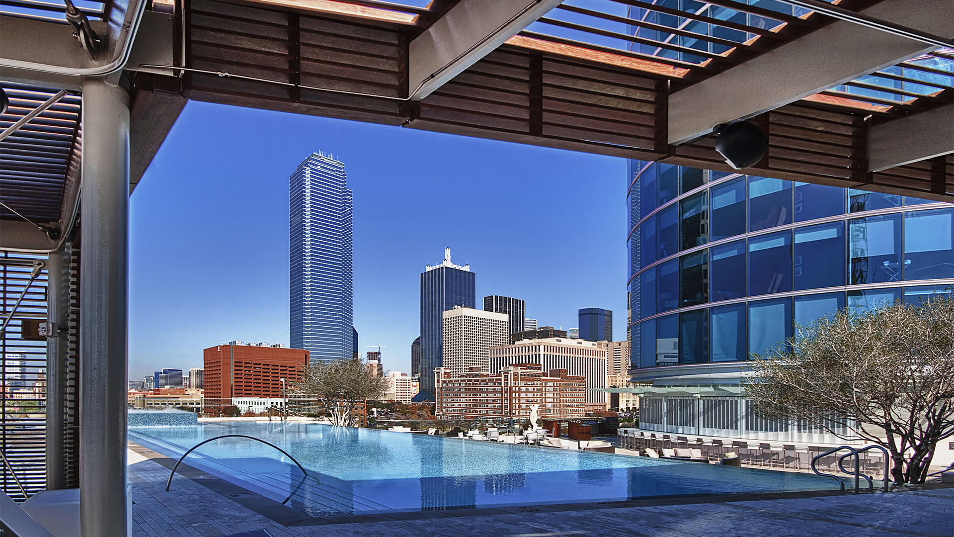 Omni_Dallas_Rooftop_Pool