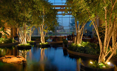 Omni_Houston_Hotel_at_Westside_Cafe_on_The_Lake