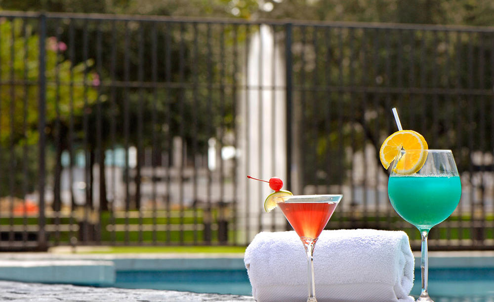 Omni _ Houston _ Hotel _ at _ Westside _ Poolside _ Service
