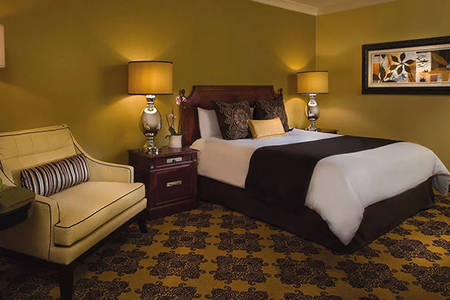Omni _ Houston _ Classic _ Deluxe _ Room _ King _ Bed