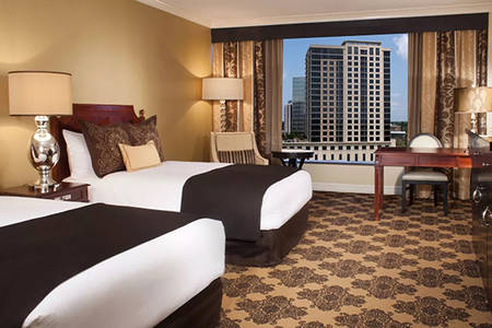 Omni _ Houston _ Premier _ Signature _ King _ Bed _ Pool _ View
